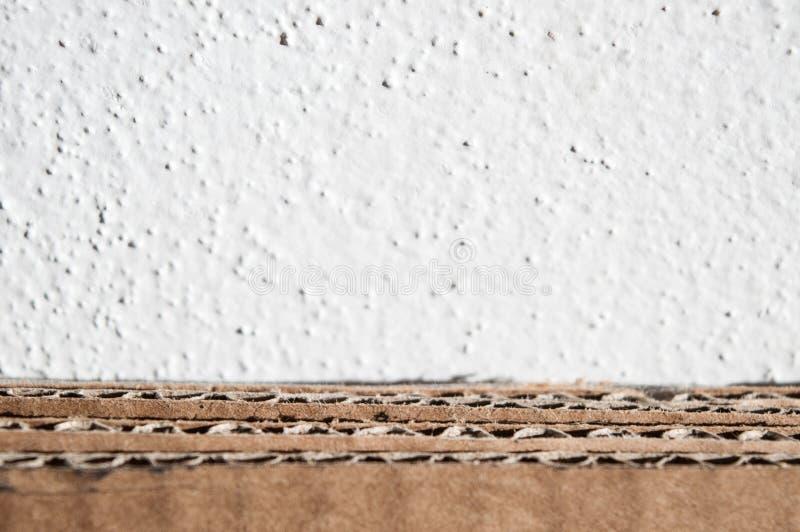 Tekstura brown karton strona Fałdowi kartony przeciw zdjęcia royalty free
