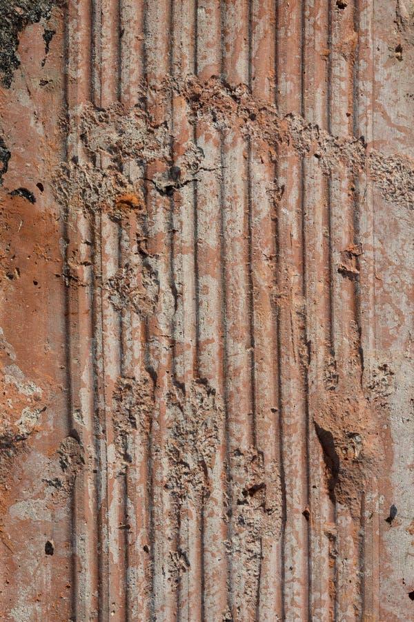 Tekstura Stara Wietrzejąca cegła w Srogim Bezpośrednim świetle słonecznym zdjęcia royalty free