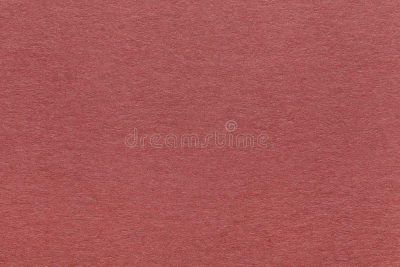 Tekstura stary zmrok - czerwieni papierowy tło, zbliżenie Struktura zwarty brown Kraft karton obraz stock