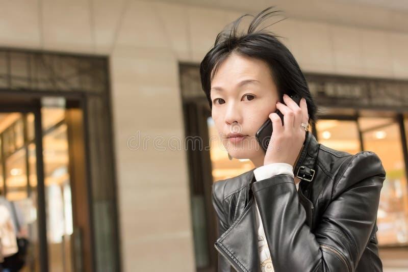 Mujer madura asiática imágenes de archivo libres de regalías