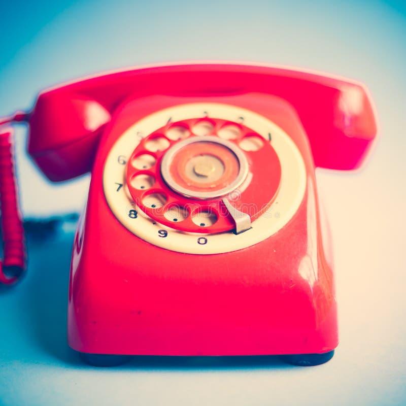 Teléfono rojo retro fotos de archivo