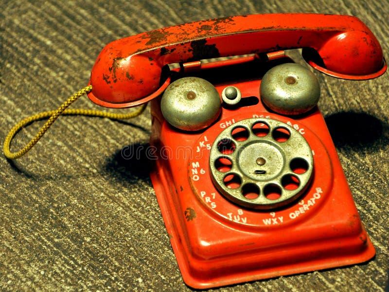 Teléfono rojo viejo fotografía de archivo libre de regalías