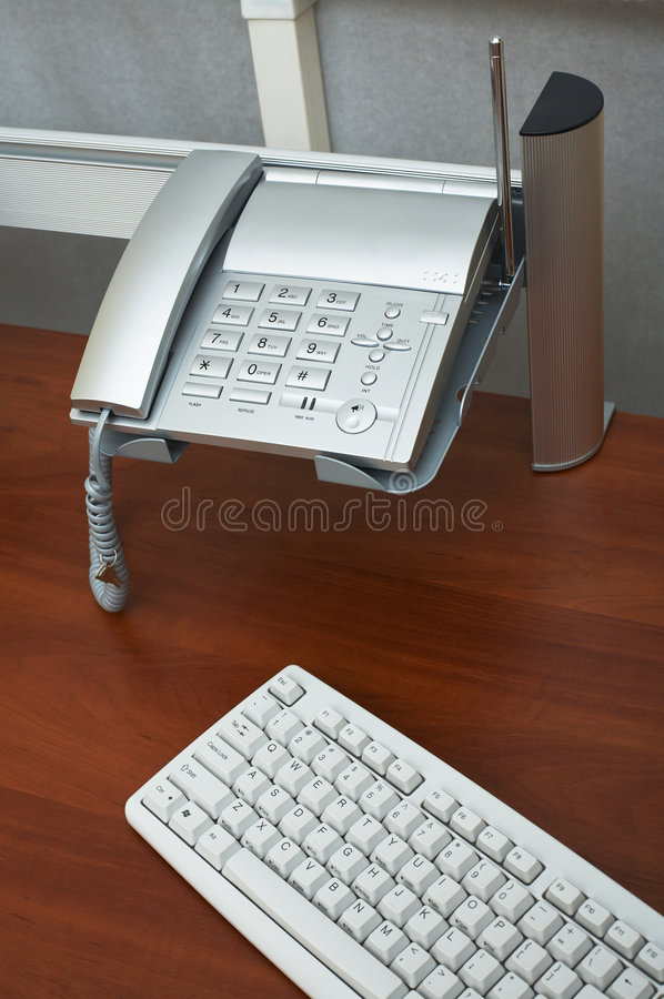 Teléfono y el teclado imágenes de archivo libres de regalías