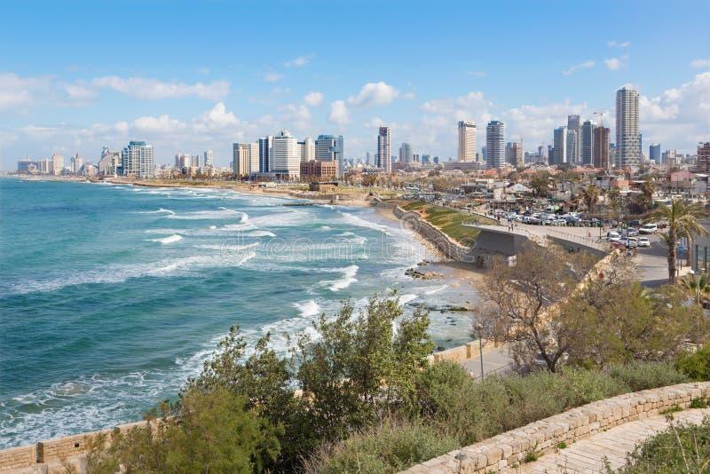 Tel Aviv - światopogląd nabrzeże i miasteczko od starego Jaffa fotografia stock
