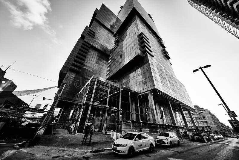 Tel Aviv - 9 dicembre 2016: Edifici alti in cen della città di Tel Aviv fotografia stock libera da diritti