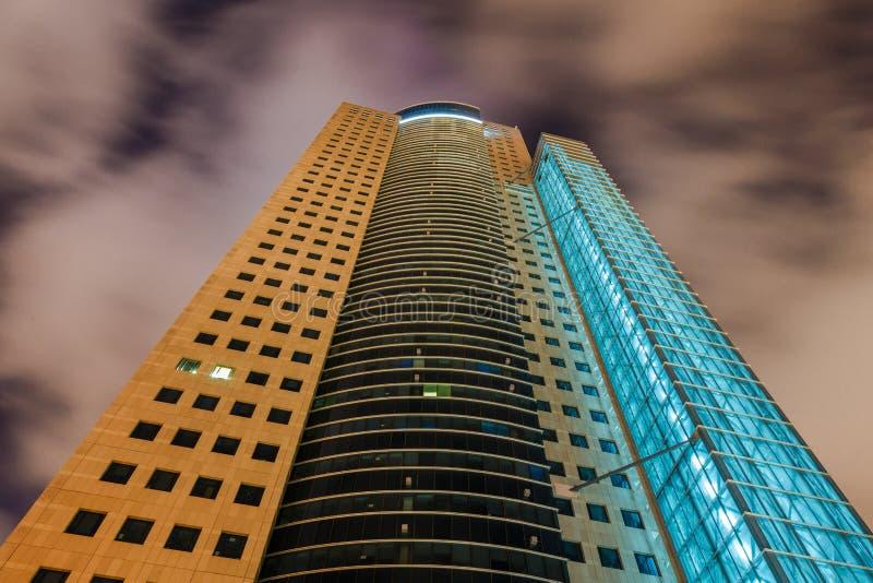 Tel Aviv en la noche imagenes de archivo