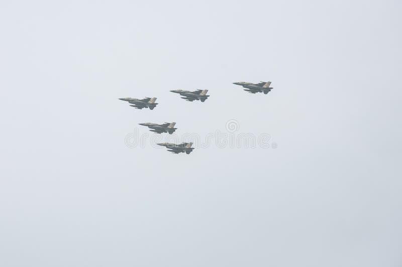 TEL AVIV, ISRAËL 2014 6 mai : Avions israéliens de l'Armée de l'Air (cinq j images libres de droits