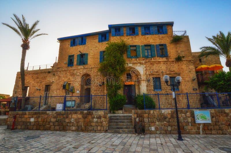Tel Aviv, Israel - 21 de abril de 2017: Calles de piedra antiguas en estilo árabe en Jaffa viejo imagen de archivo libre de regalías
