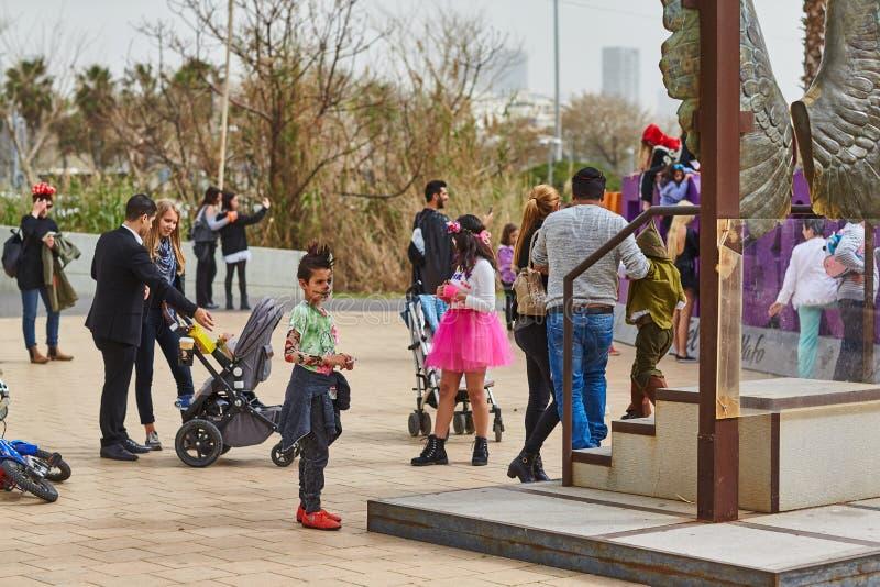 Tel Aviv - 20 2017 Luty: Ludzie jest ubranym kostiumy w Izrael d zdjęcia royalty free