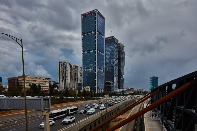 Tel Aviv, Luty - 2, 2017: Tel Aviv dworzec blisko Azrieli zdjęcie royalty free