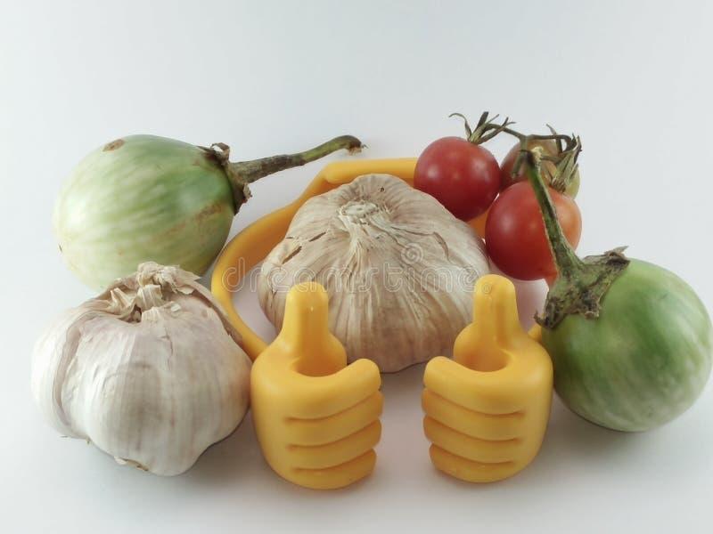 Tel het beste Knoflook op, Geel berried nightshade en tomaten royalty-vrije stock fotografie