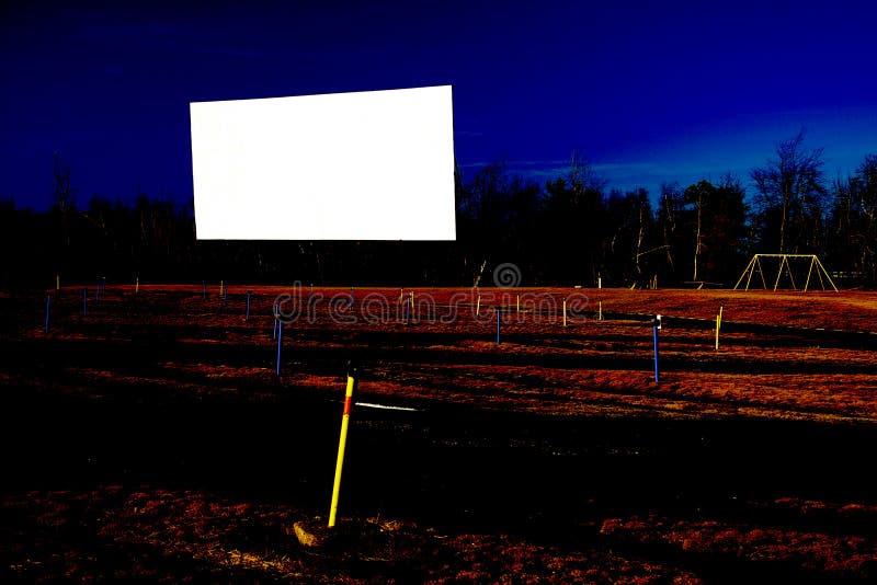 Tela de filme em branco do cinema a o ar livre fotografia de stock