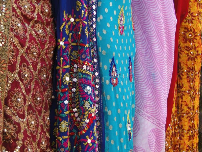 Tela de seda fina de la sari del brocado foto de archivo