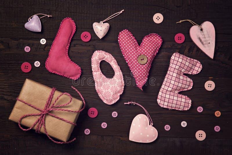 Download A tela rotula o amor foto de stock. Imagem de amor, escuro - 65575810