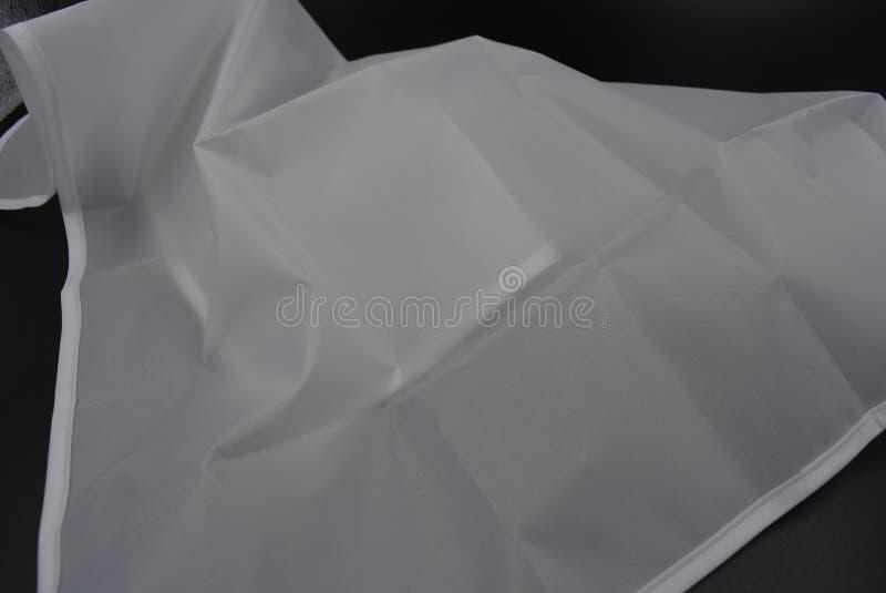 Tela translúcida branca para a dispersão de luz em um fundo preto à moda imagem de stock royalty free