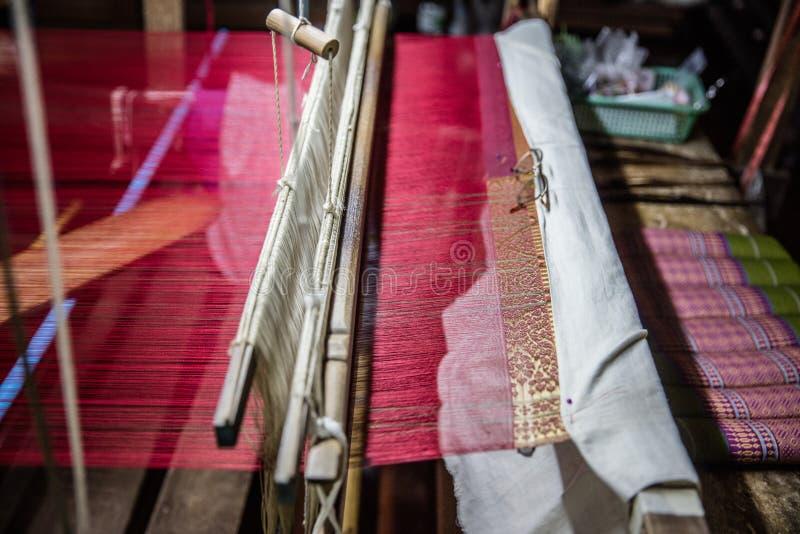 Telar de seda tradicional foto de archivo libre de regalías