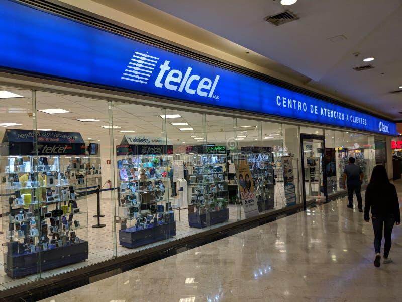 Telcelopslag in San Agustin Mall wordt gevestigd dat royalty-vrije stock foto's