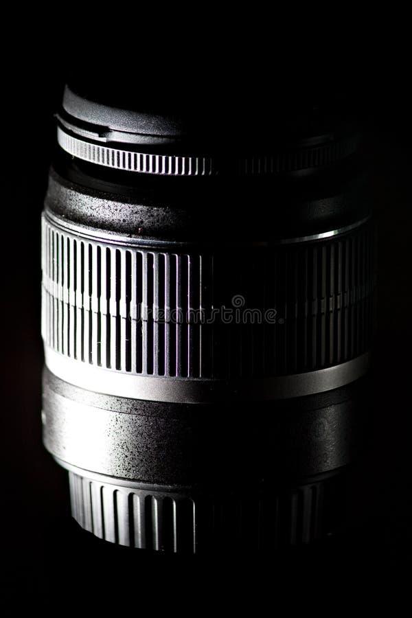 Teleaufnahmelautes summen slr Kameraobjektiv lizenzfreie stockfotografie