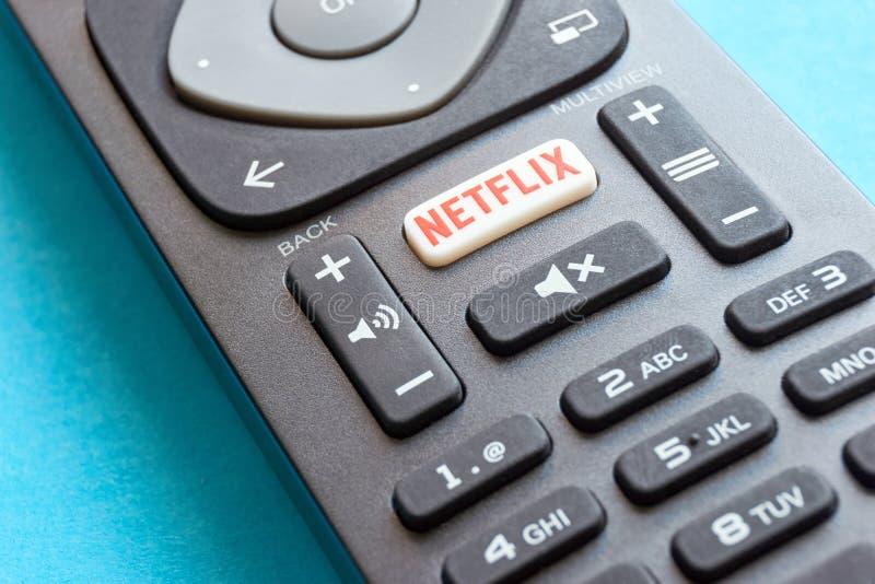 Telecomando con un bottone di Netflix immagine stock