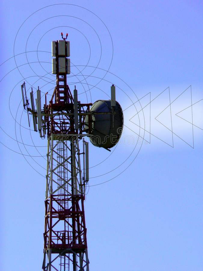 Telecommunications. Telephony via radio signal. Pylon with antennas for receiving and transmitting the telephone signal. Ideal graphical representation stock illustration