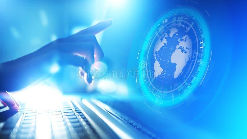 Telecomunicação mundial do Internet do negócio do planeta do holograma da terra e conceito moderno da tecnologia na tela virtual ilustração stock