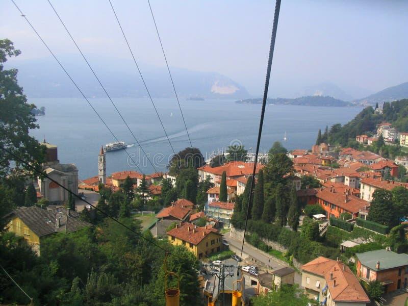 teleférico da montanha no maggiore intra Itália do lago do verbania imagem de stock royalty free