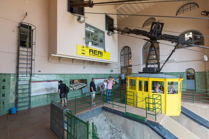 Teleférico do teleférico de Monserrate com uma vista de monas de Monserrate fotos de stock