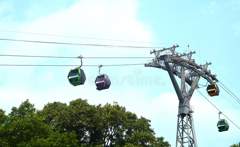 Teleféricos de Singapur en la isla de Sentosa foto de archivo