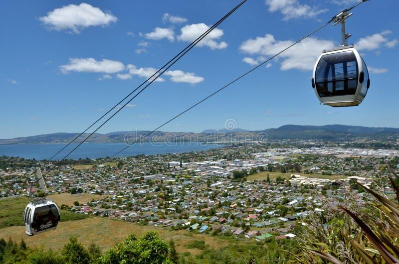 Teleferica della gondola dell'orizzonte il Distretto di Rotorua - in Nuova Zelanda immagine stock libera da diritti