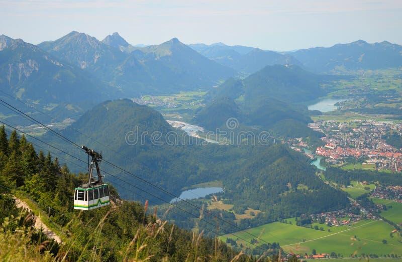 Teleferica nelle alpi, Germania fotografia stock libera da diritti