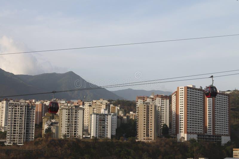 Teleferica veduta da Palo Verde a Caracas, Venezuela immagini stock