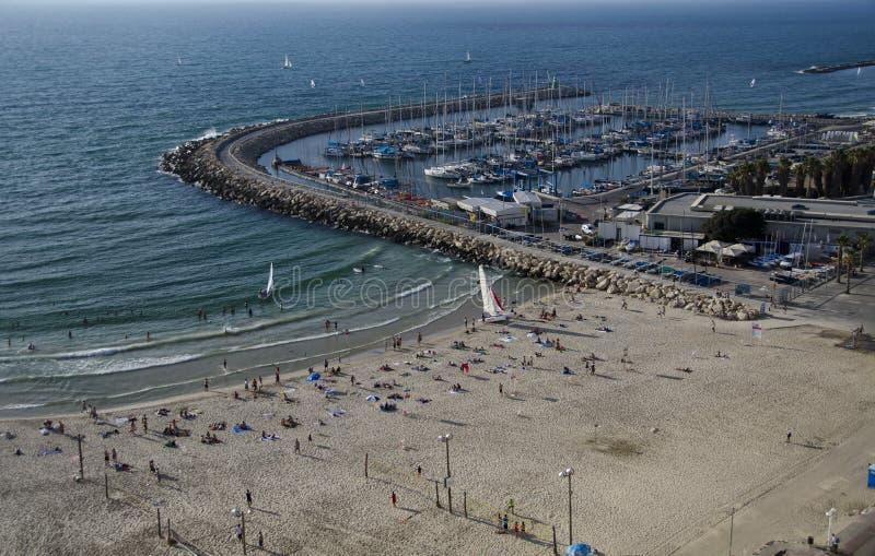 Telefon Aviv Marina und Strandszene, Israel lizenzfreies stockbild