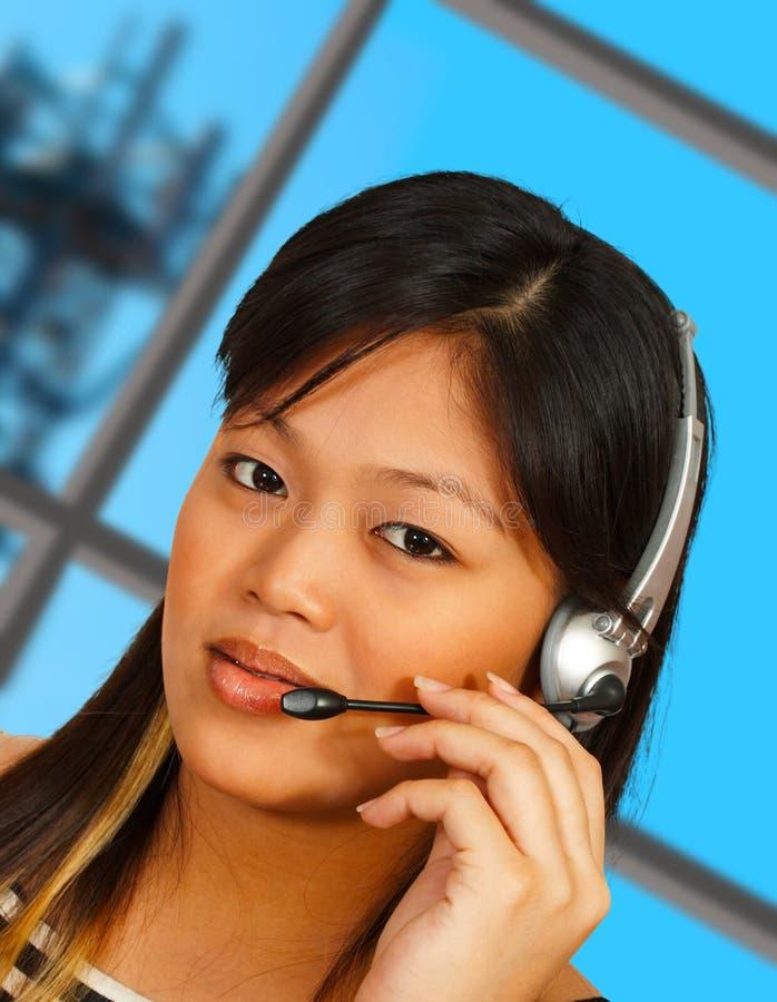 Telefon-Bediener mit Fernsehturm lizenzfreie stockfotografie