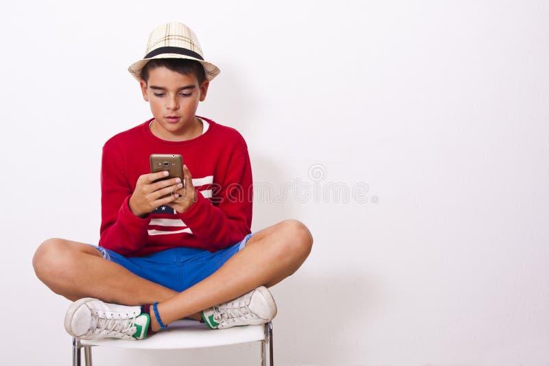 Telefon komórkowy, dzieciaki obrazy royalty free