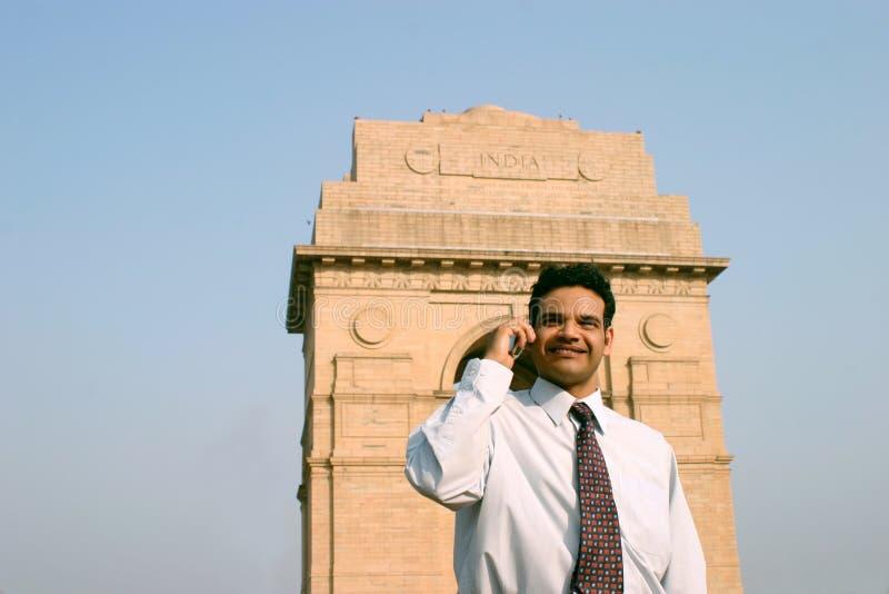 Download Telefon Komórkowy Indyjscy Potomstwa Zdjęcie Stock - Obraz złożonej z przedsiębiorca, osoba: 13327718