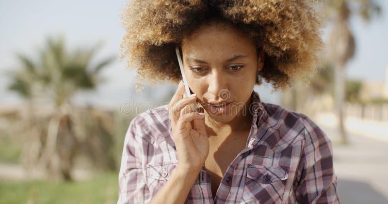 telefon komórkowy kobieta ja target4481_0_ target4482_0_ zdjęcie royalty free