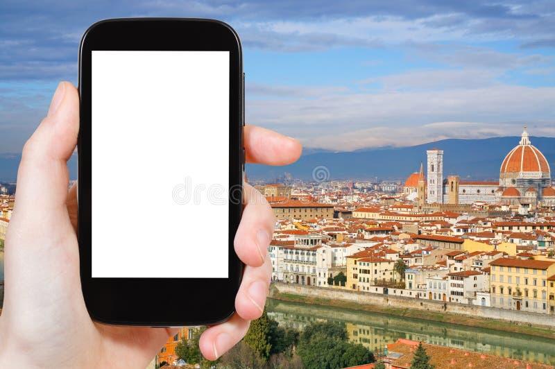Telefon z cięcia out ekranem i Florencja linią horyzontu obraz royalty free