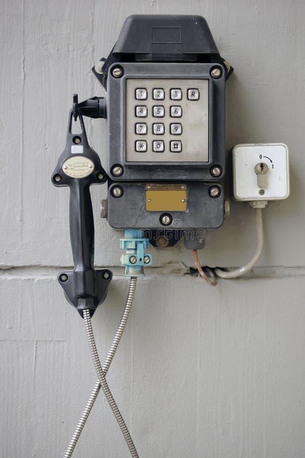 Telefone velho da emergência fotografia de stock