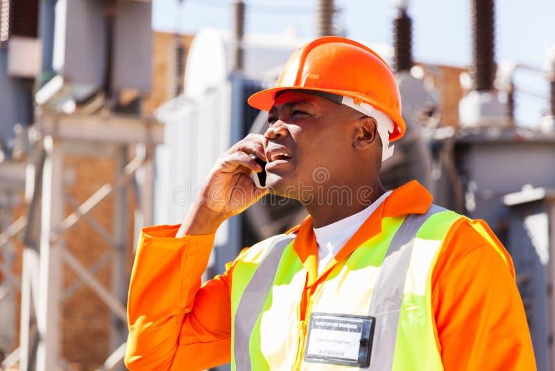 Telefono cellulare dell'ingegnere fotografie stock