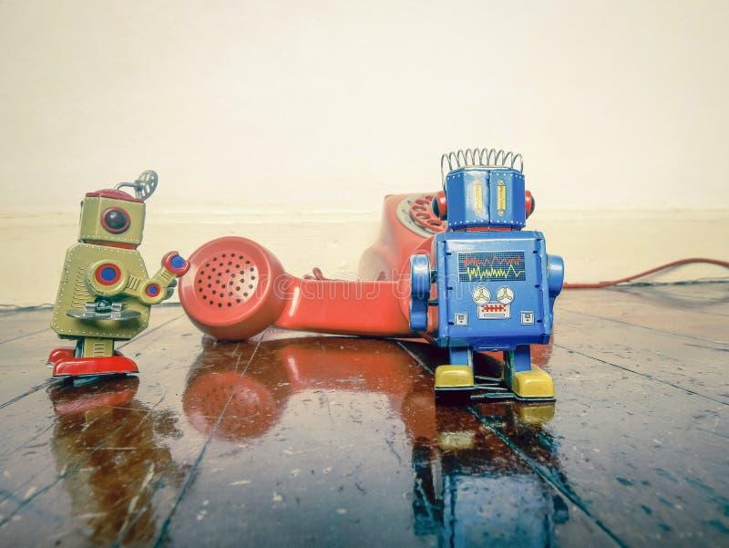 Telefono d'annata del robot fotografia stock libera da diritti