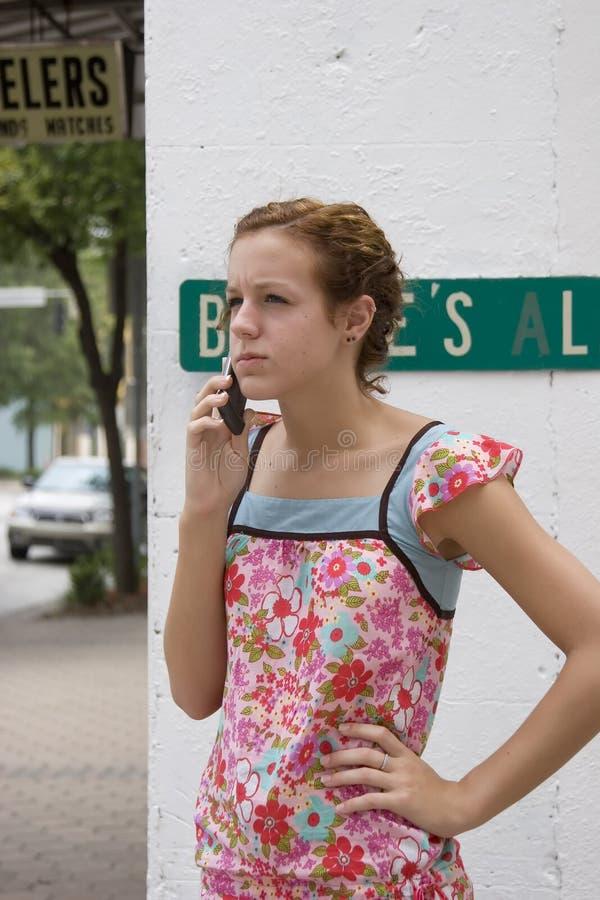 Telefono teenager due delle cellule fotografie stock libere da diritti