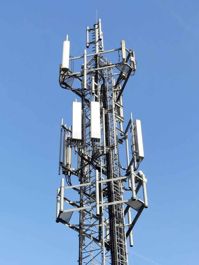 Telefonu komórkowego maszt M25 autostradą, Chorleywood zdjęcie royalty free