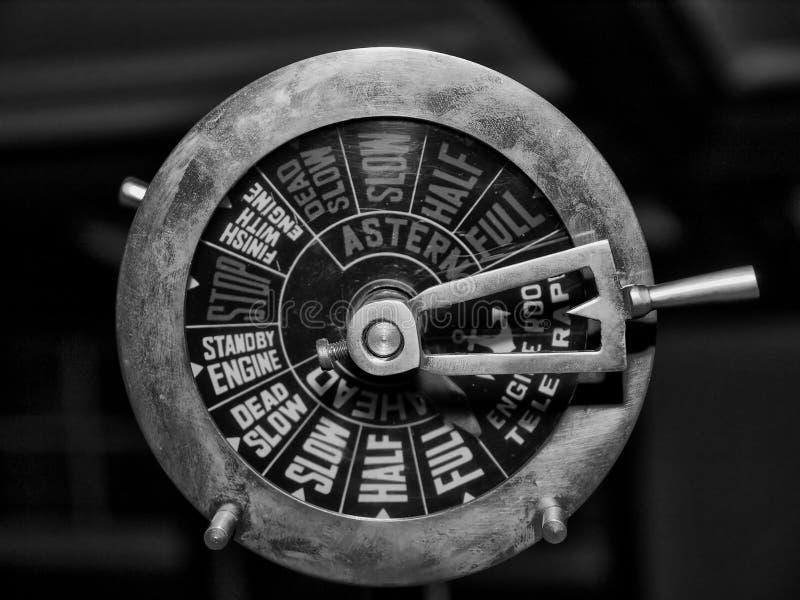 Telegrafo d'ottone del motore - in bianco e nero fotografie stock libere da diritti