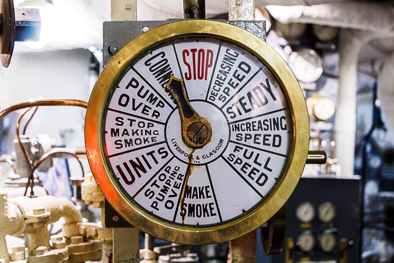 Telegrafo della nave nella sala macchine fotografie stock libere da diritti