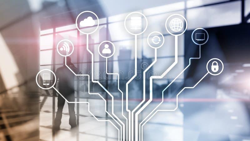 Telekommunikation und IOT-Konzept auf unscharfem Gesch?ftszentrumhintergrund lizenzfreies stockbild