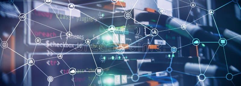 Telekommunikationbegreppet med den abstrakta nätverksstrukturen och serveren hyr rum bakgrund arkivfoto