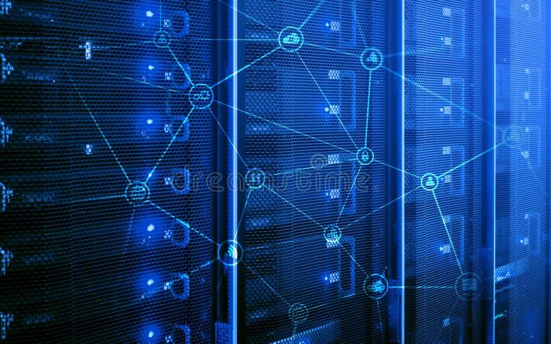 Telekommunikationskonzept mit abstraktem Netzstruktur- und -serverraumhintergrund lizenzfreie stockbilder