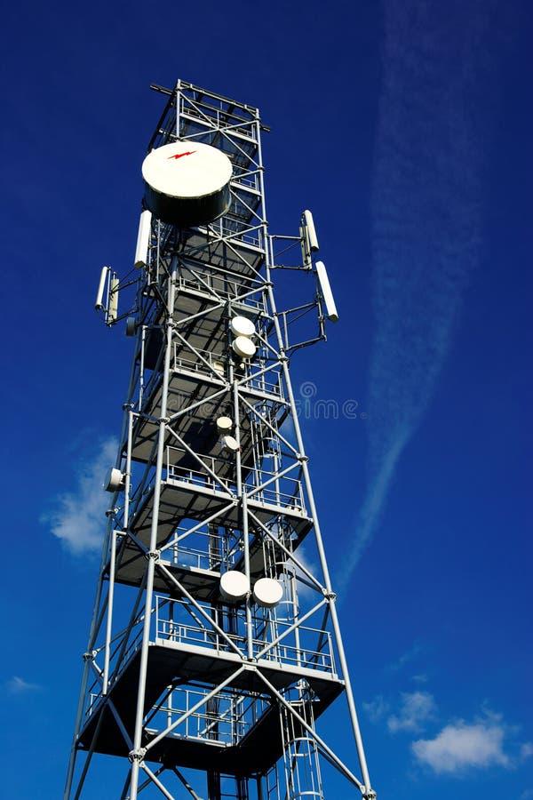 telekommunikationtorn royaltyfri foto
