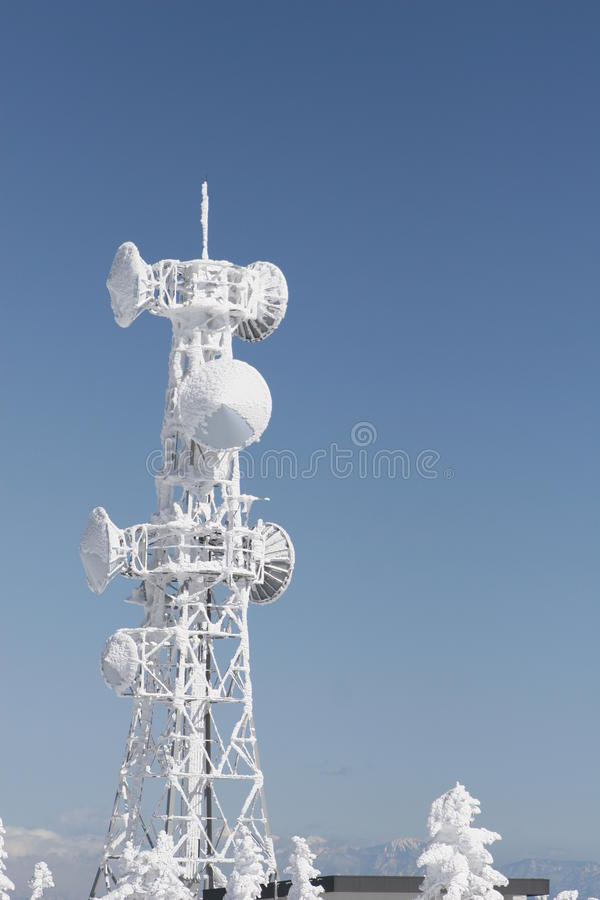 telekomunikaci zamarznięty wierza obrazy royalty free