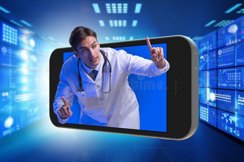 Telemedicinebegreppet med doktorn och smartphonen arkivbilder